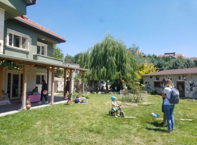özel anaokulu bahçe